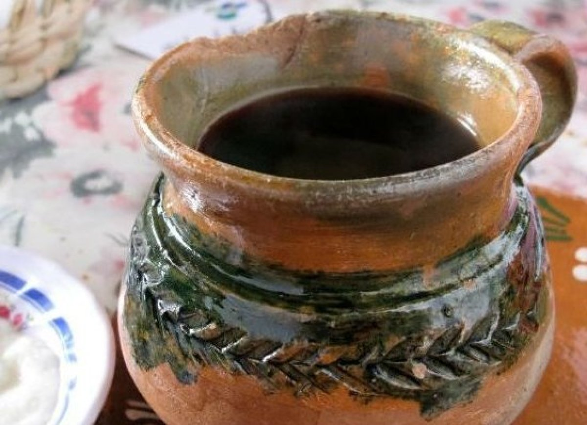 "Literally translated as ""pot coffee,"" this is traditionally prepared in beautifully artisanal clay pots which give the drink"