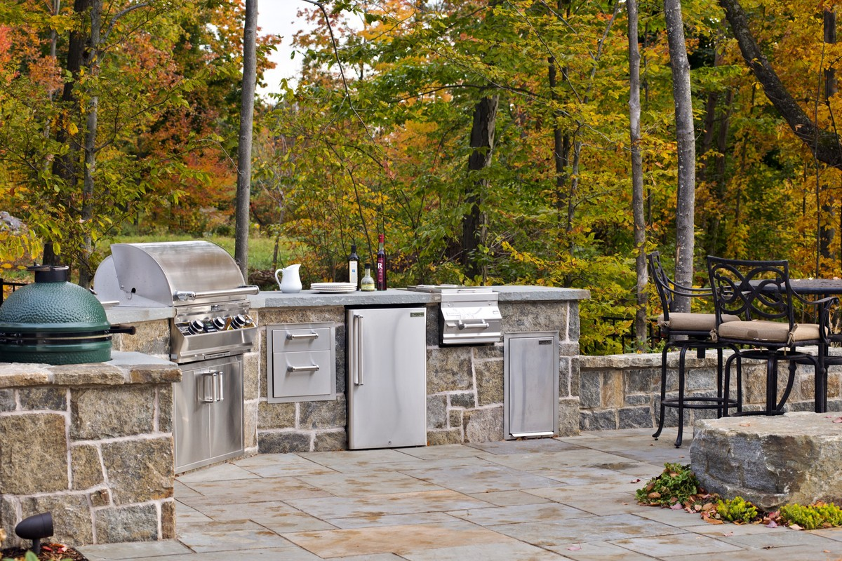 These 11 Outdoor Kitchens Are What Summer Entertaining Dreams Are Made Of  (PHOTOS)