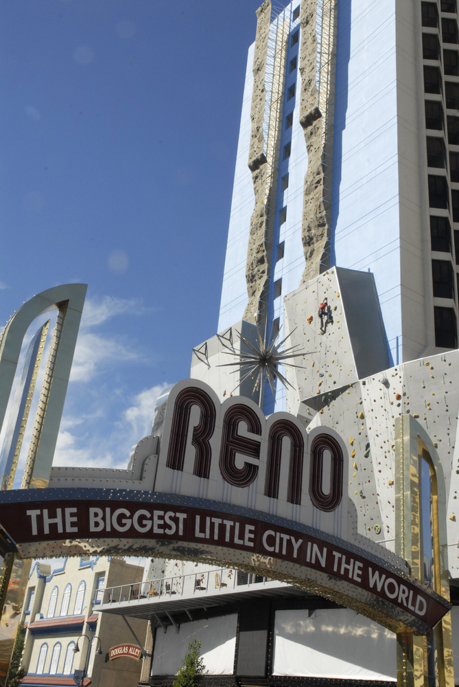 World S Tallest Climbing Wall Opens On The Side Of A Nevada Hotel