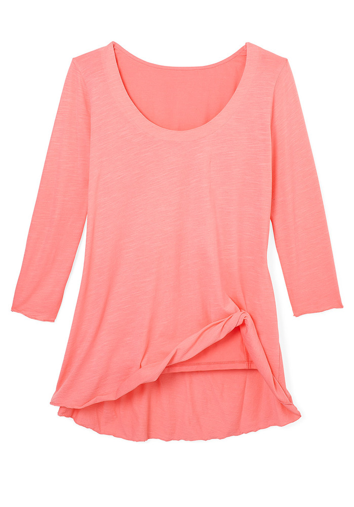 Not only is this fitted-on-top, swingy-on-the-bottom shirt super flattering, but it also features a <b>hidden inner tank made
