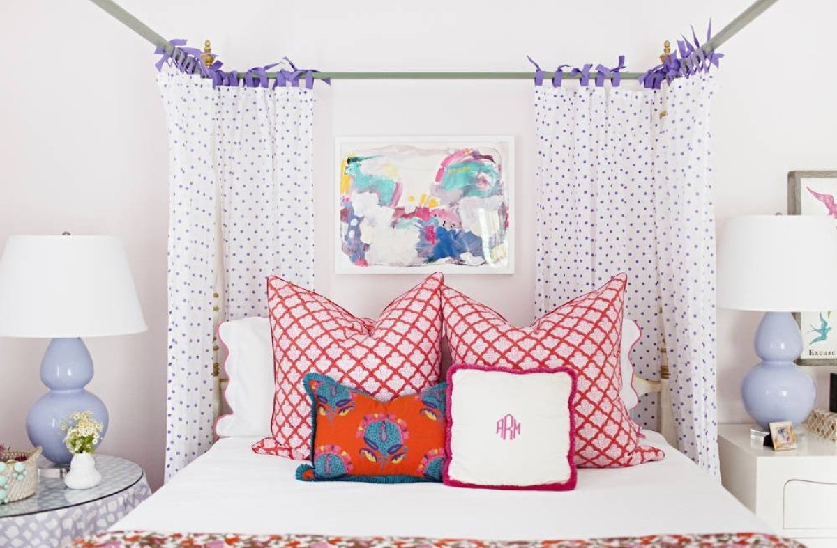 """When working with larger pieces, such as a canopy bed, it's important that other pieces in the room are similarly scaled. """"Fo"""