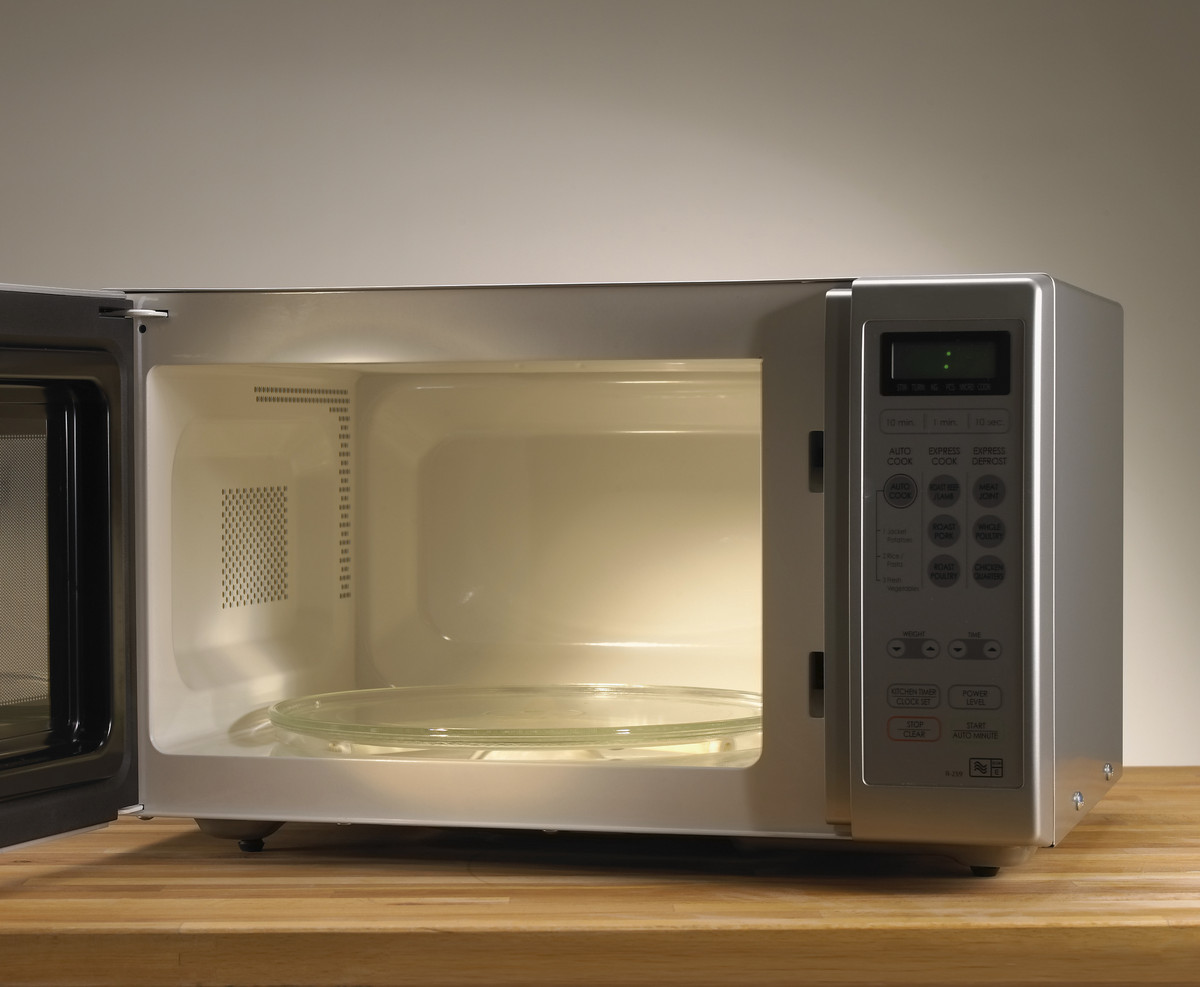 13 things you should never put in the microwave huffpost. Black Bedroom Furniture Sets. Home Design Ideas