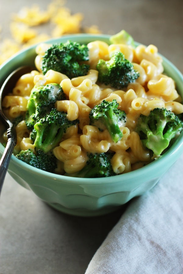 """<a href=""""http://rachaelwhite.me/best-stovetop-mac-cheese/"""" target=""""_blank"""">Get the recipe from Set The Table here. </a>"""
