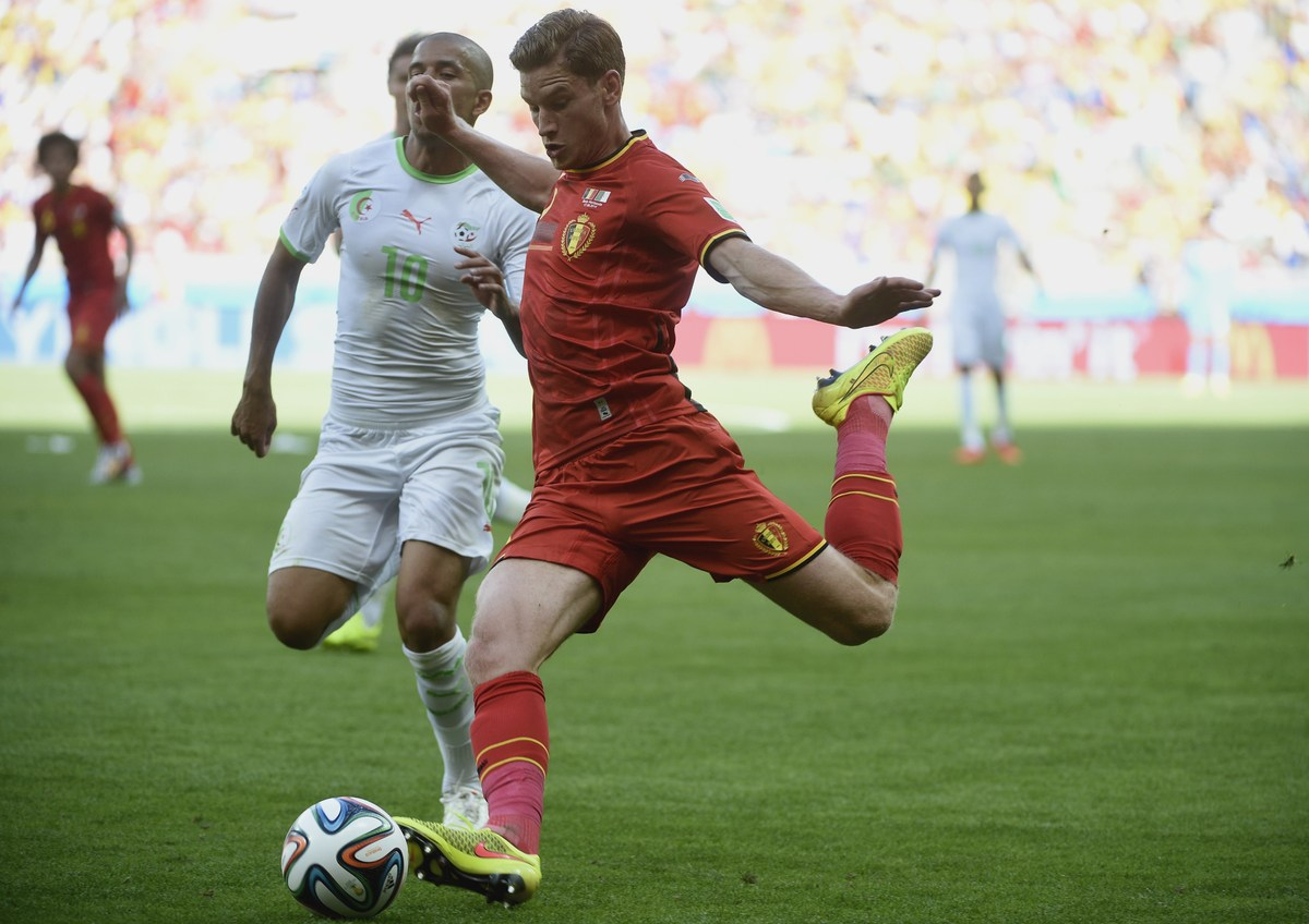 Belgium's defender Jan Vertonghen runs with the ball during a Group H football match between Belgium and Algeria at the Minei