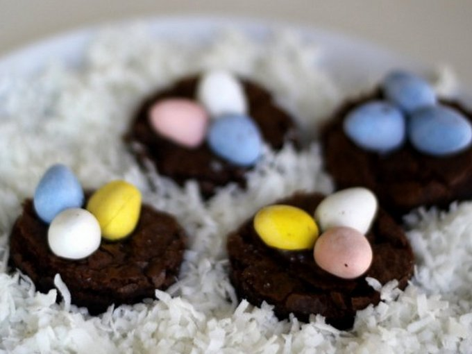 Originally made for Easter, these sweet treats work for bird lovers year-round. Needed: your favorite brownie recipe, a glass