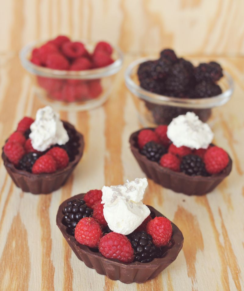 """<strong>Get the <a href=""""http://www.abeautifulmess.com/2013/02/berries-with-chocolate-bowls.html"""" target=""""_blank"""">Berries In"""