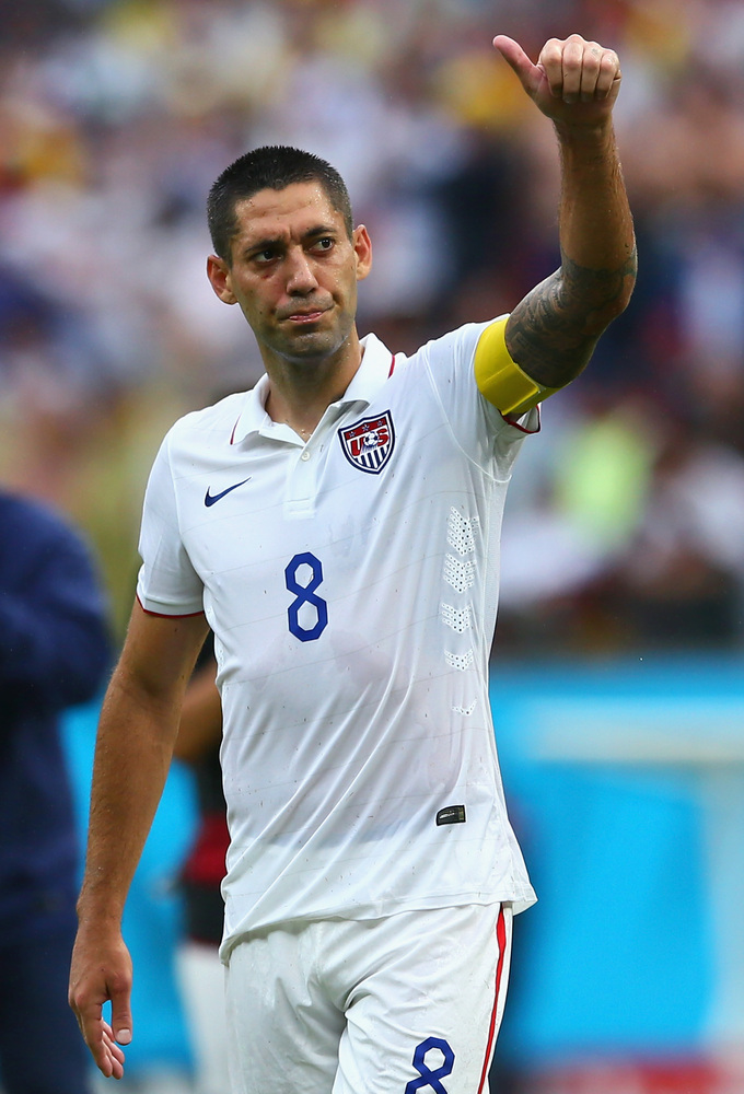 RECIFE, BRAZIL - JUNE 26:  Clint Dempsey of the United States acknowledges the fans after being defeated by Germany 1-0 durin