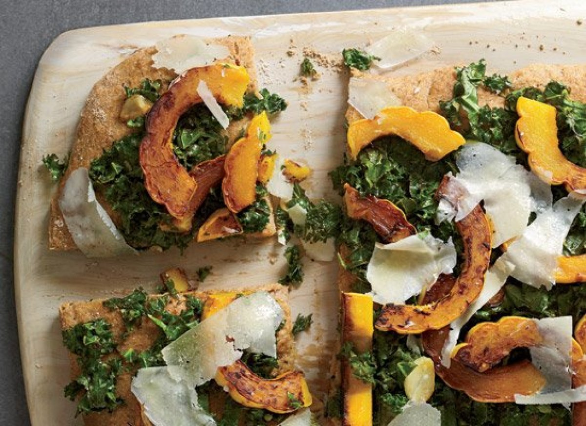 """<strong>Get the <a href=""""http://www.huffingtonpost.com/2011/10/27/spelt-focaccia-with-kale_n_1058702.html"""" target=""""_hplink"""">S"""