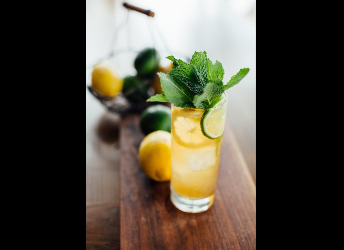 "<a href=""http://imbibemagazine.com/Porch-Punch-Recipe "" target=""_hplink""><strong>Porch Punch</strong></a>