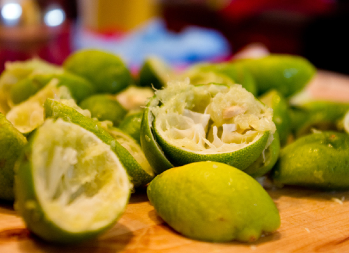 "You definitely need enough acid (lemon or lime juice) to make ceviche properly. <a href=""http://ruhlman.com/2010/03/how-to-ma"