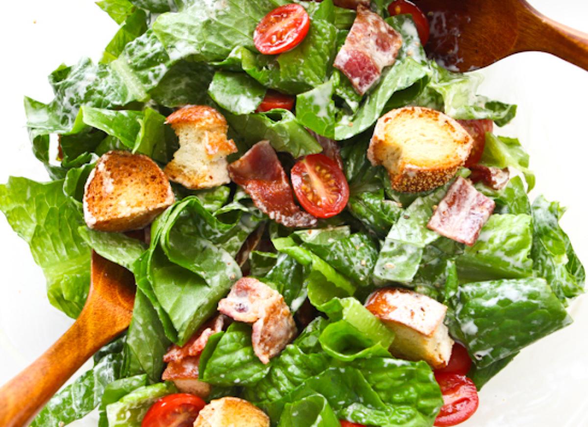 "<strong>Get the <a href=""http://steamykitchen.com/7573-blt-salad-with-buttermilk-dressing.html"" target=""_hplink"">BLT Salad wi"