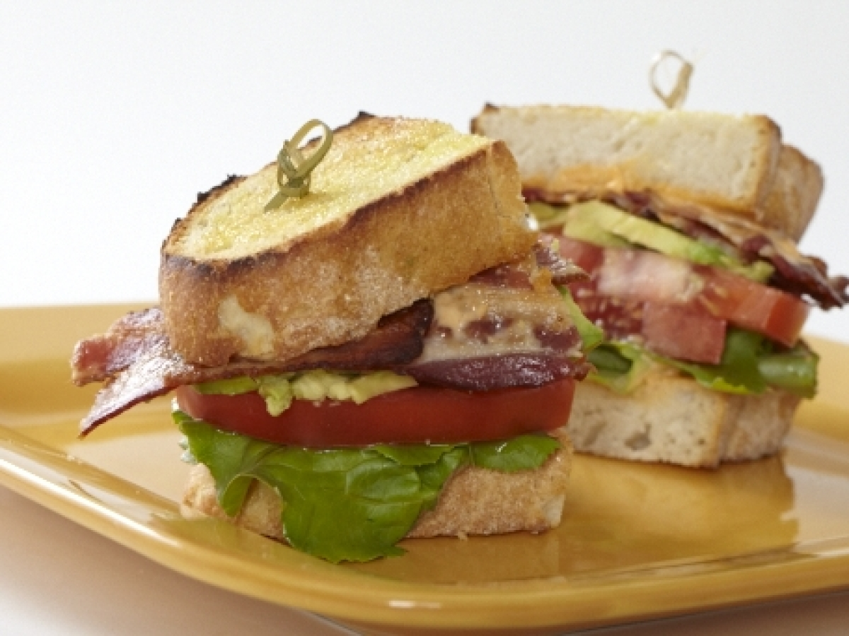 """<strong>Get the <a href=""""http://www.huffingtonpost.com/2011/10/27/blt-with-avocado-and-pink_n_1057281.html"""" target=""""_hplink"""">"""