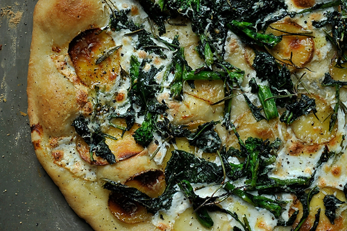"<strong>Get the <a href=""http://food52.com/recipes/2611-broccoli-rabe-potato-and-rosemary-pizza"" target=""_blank"">Broccoli Rab"