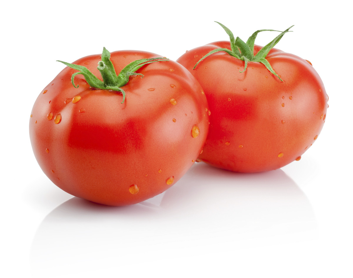 "Thanks to the acid in tomatoes, <a href=""http://www.huffingtonpost.com/2013/10/01/beauty-benefits-of-tomatoes_n_4023051.html"""