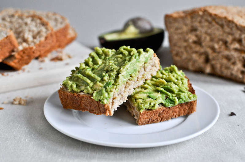 "<strong>Get the <a href=""http://www.howsweeteats.com/2012/06/whole-wheat-oatmeal-sandwich-bread/"" target=""_blank"">Whole Wheat"