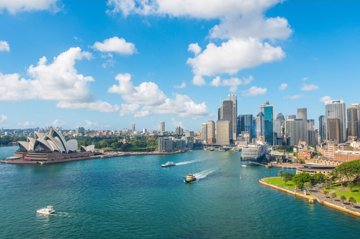 Located on the southeastern coast, Sydney is the largest Australian city and capital of New South Wales offering a beautiful