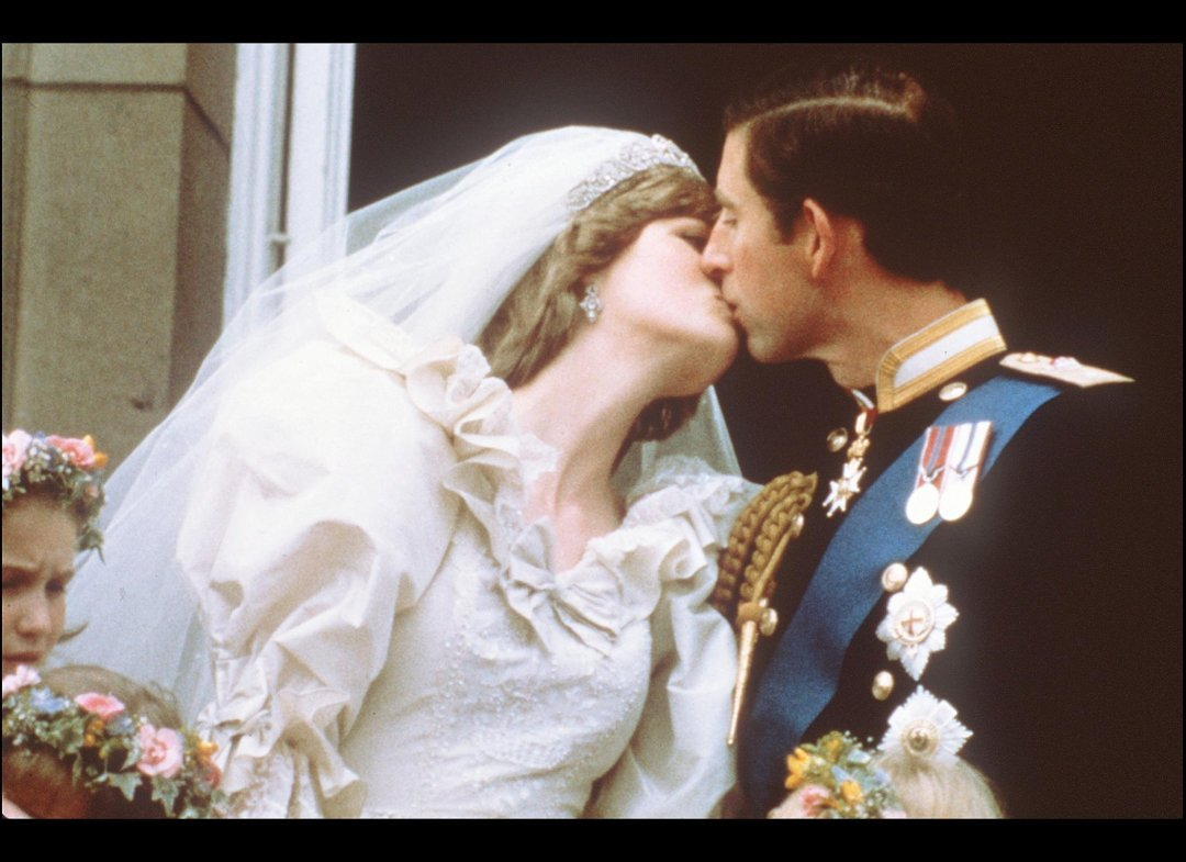 Princess Diana\'s Wedding Dress Handed Down To William And Harry ...