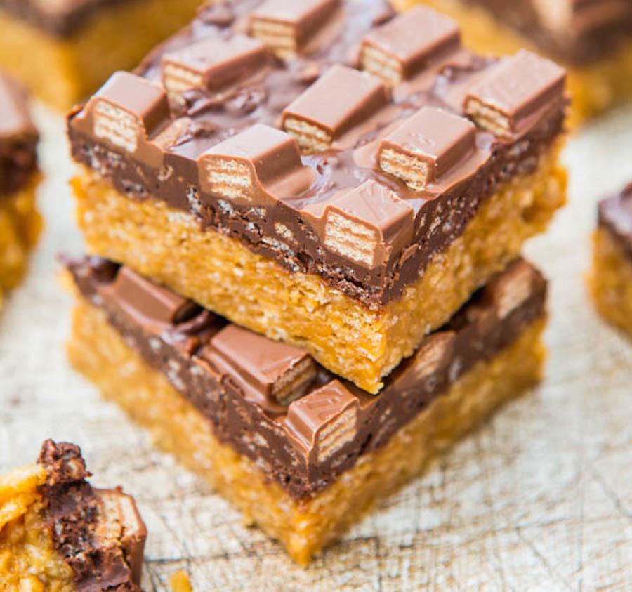 """<strong>Get the <a href=""""http://www.averiecooks.com/2013/10/chocolate-peanut-butter-kit-kat-crunch-bars.html"""" target=""""_hplink"""