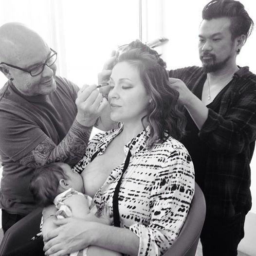 """<a href=""""http://www.huffingtonpost.com/2014/10/28/alyssa-milano-breastfeeding-photo_n_6060748.html?utm_hp_ref=breastfeeding"""""""