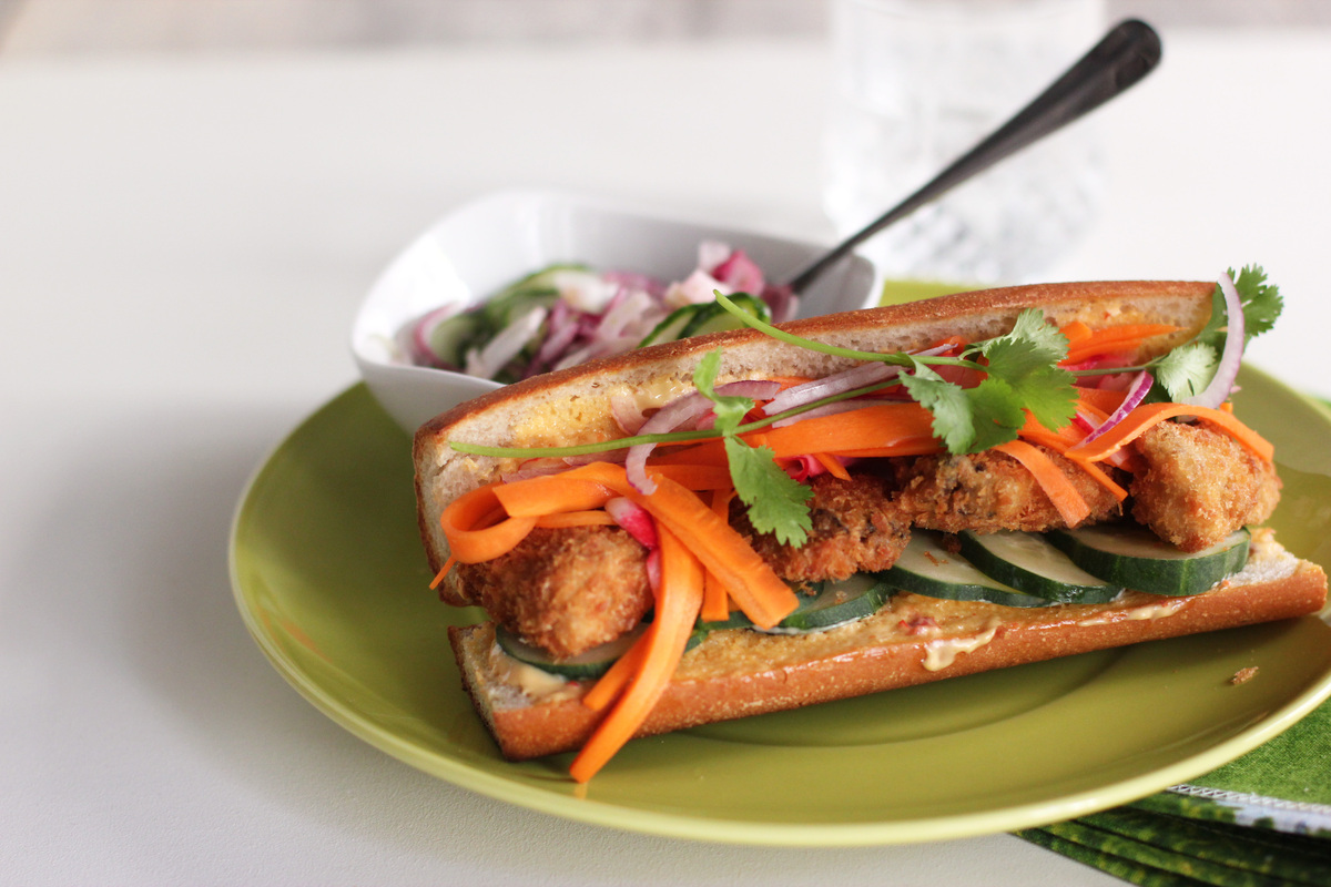 "<strong>Get the <a href=""http://cookinginsens.wordpress.com/2011/08/17/sarkozys-oysters-banh-mi"" target=""_blank"">Oysters Banh"
