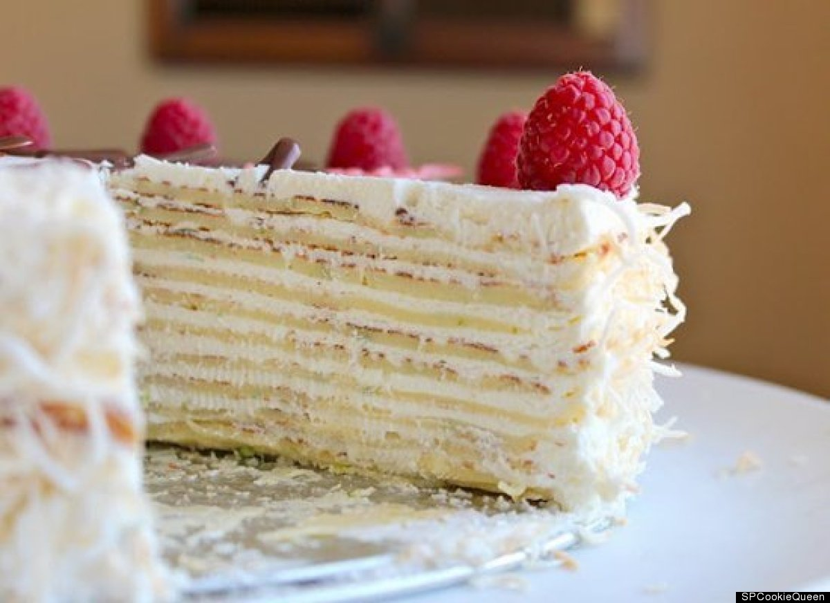 "<strong>Get the <a href=""http://www.cccakery.com/2012/03/guest-post-coconut-mojito-crepe-cake_24.html"" target=""_hplink"">Cocon"