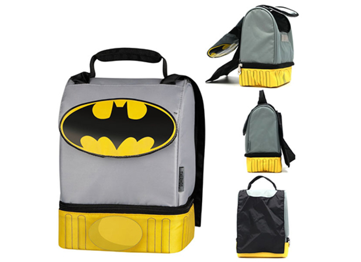 Batman fans will love this lunch box for the fact that it has a built-in cape. Moms will love it because it has two compartme