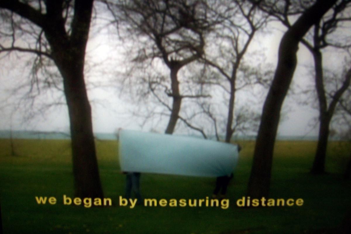 Basma Alsharif, We Began By Measuring Distance, 2009 (still). Video, color, sound; 19 min. Courtesy Galerie Imane Fares, Pari