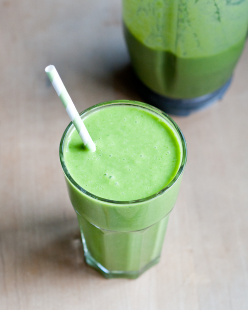 """<strong>Get the <a href=""""http://cafejohnsonia.com/2013/03/pineapple-mango-coconut-spinach-green-smoothie.html"""" target=""""_blank"""
