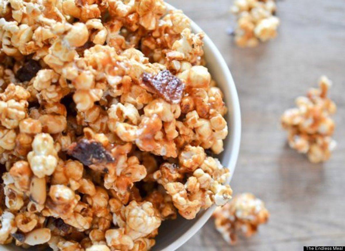 "<strong>Get the <a href=""http://www.theendlessmeal.com/bacon-caramel-popcorn/"" target=""_hplink"">Bacon Caramel Popcorn recipe<"
