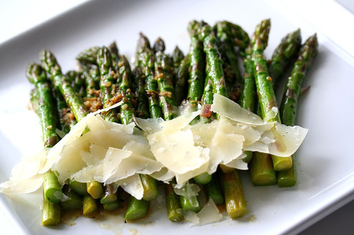 """<strong>Get the <a href=""""http://www.steamykitchen.com/117-slow-butter-braised-asparagus.html"""" target=""""_blank"""">Slow Butter Bra"""