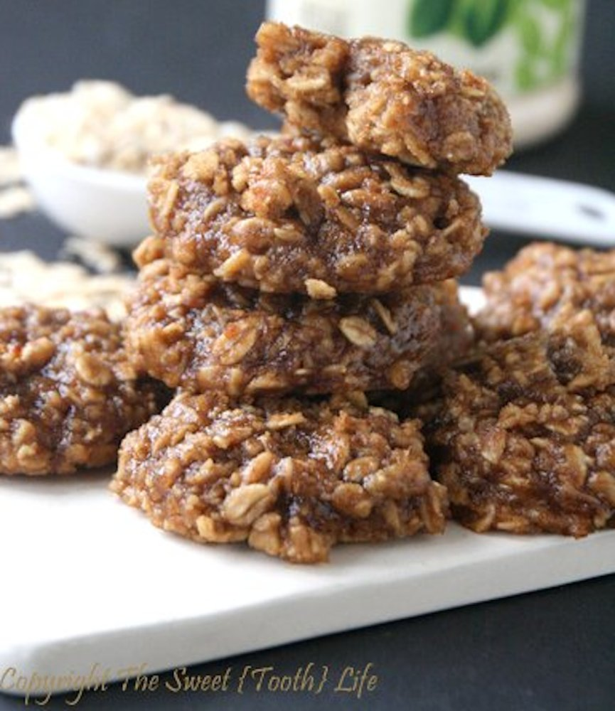 """<strong>Get the <a href=""""http://thesweet-toothlife.com/2014/05/low-fat-peanut-butter-cinnamon-oatmeal-cookies-gf-df-bean-free"""