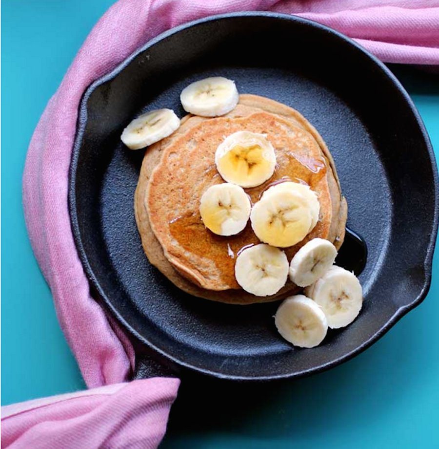 "<strong>Get the <a href=""http://www.thepancakeprincess.com/2013/10/25/pancake-fridays-peanut-butter-cookie-pancakes/"" target="
