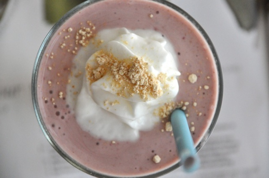 """<strong>Get the <a href=""""http://mylittlecelebration.com/coffee-talk-pb2-smoothies/"""" target=""""_blank"""">PB2 Chocolate Strawberry"""