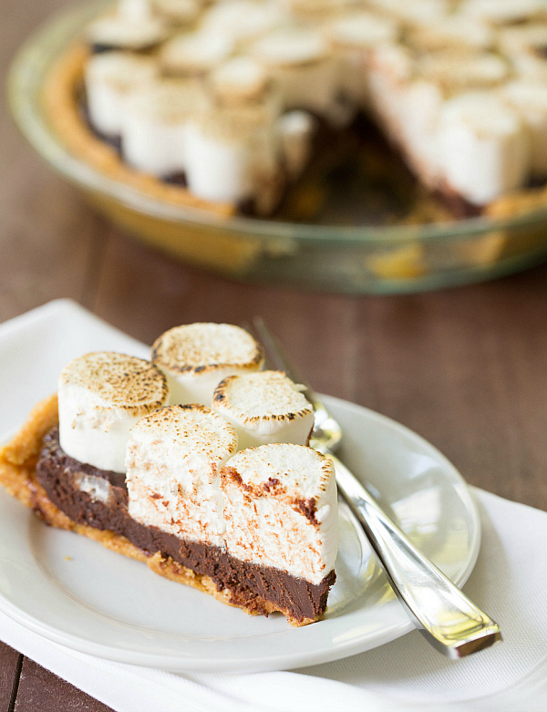 """Welcome to the world of the <a href=""""http://www.browneyedbaker.com/2013/07/01/no-bake-smores-pie-recipe/"""" target=""""_blank"""">no-"""