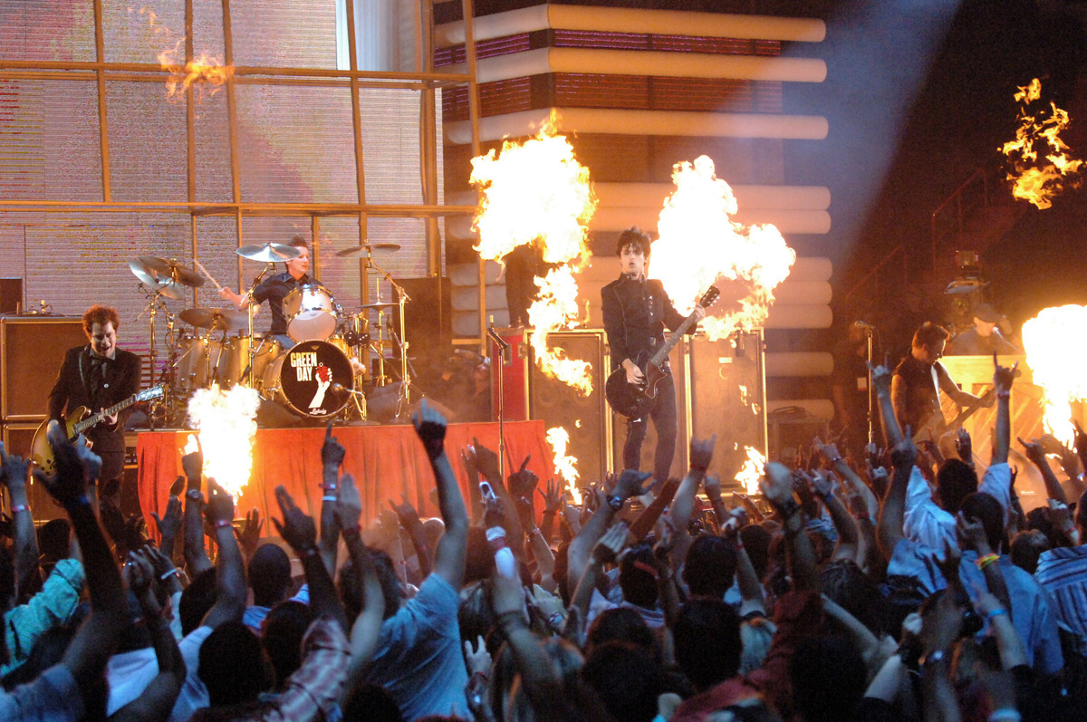 "Green Day performs ""Boulevard of Broken Dreams"" during the 2005 MTV Video Music Awards at American Airlines Arena in Miami, F"