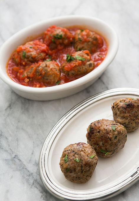 "<strong>Get the <a href=""http://www.simplyrecipes.com/recipes/turkey_mushroom_meatballs/"" target=""_blank"">Turkey Meatballs wi"