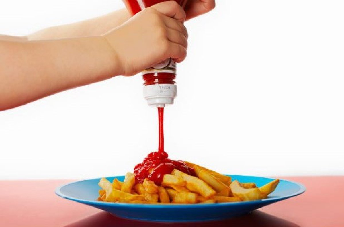 "Probably the silliest ban on the list, the <a href=""http://www.huffingtonpost.com/2011/10/06/french-ketchup-ban_n_997019.html"