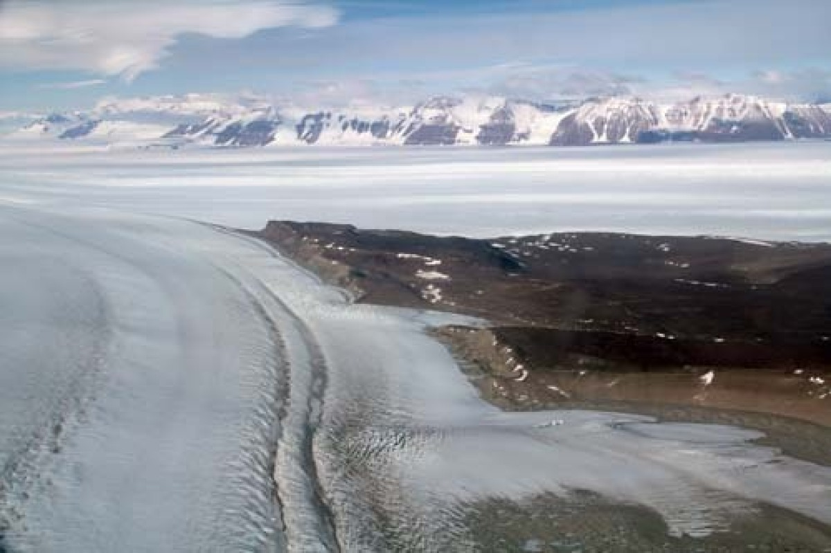 High ranges and broad outlet glaciers characterize the central Transantarctic Mountains.  Here the view is toward the craggy