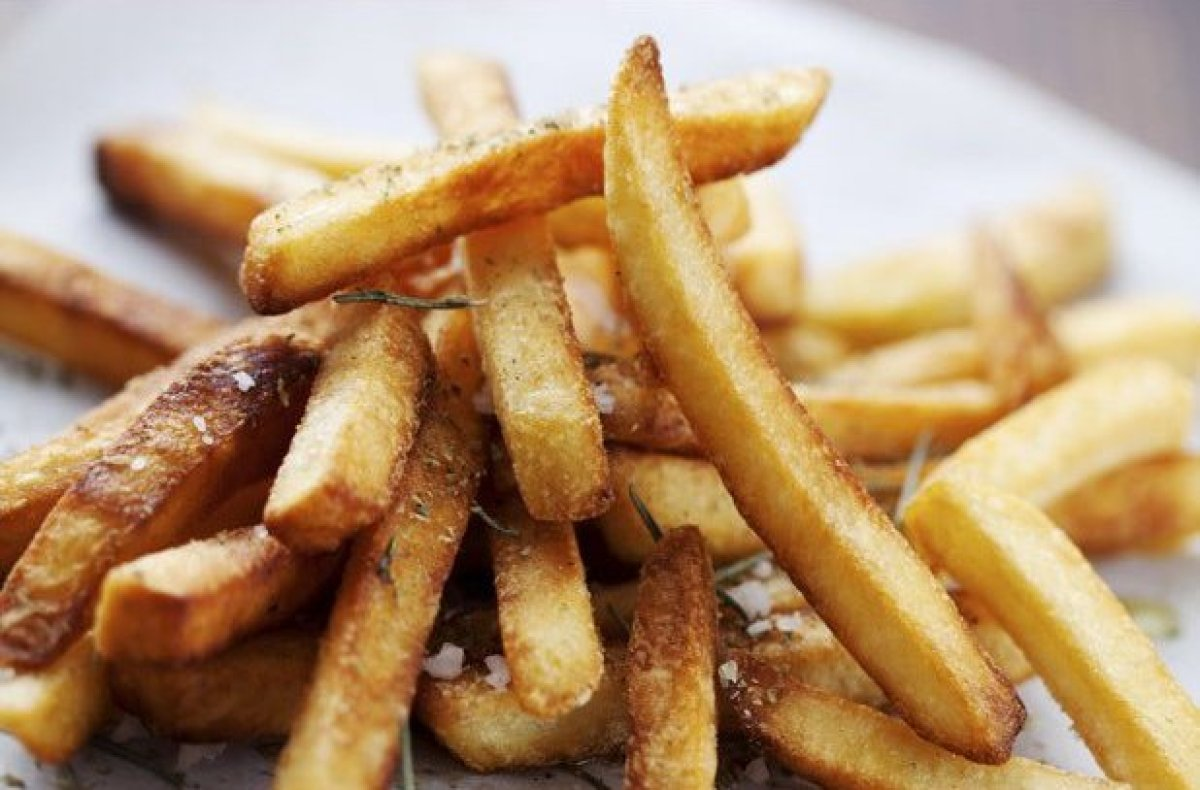 Once a fry goes soggy, there's nothing that can bring it back from the dead save for another visit to the deep-fryer. Fries t
