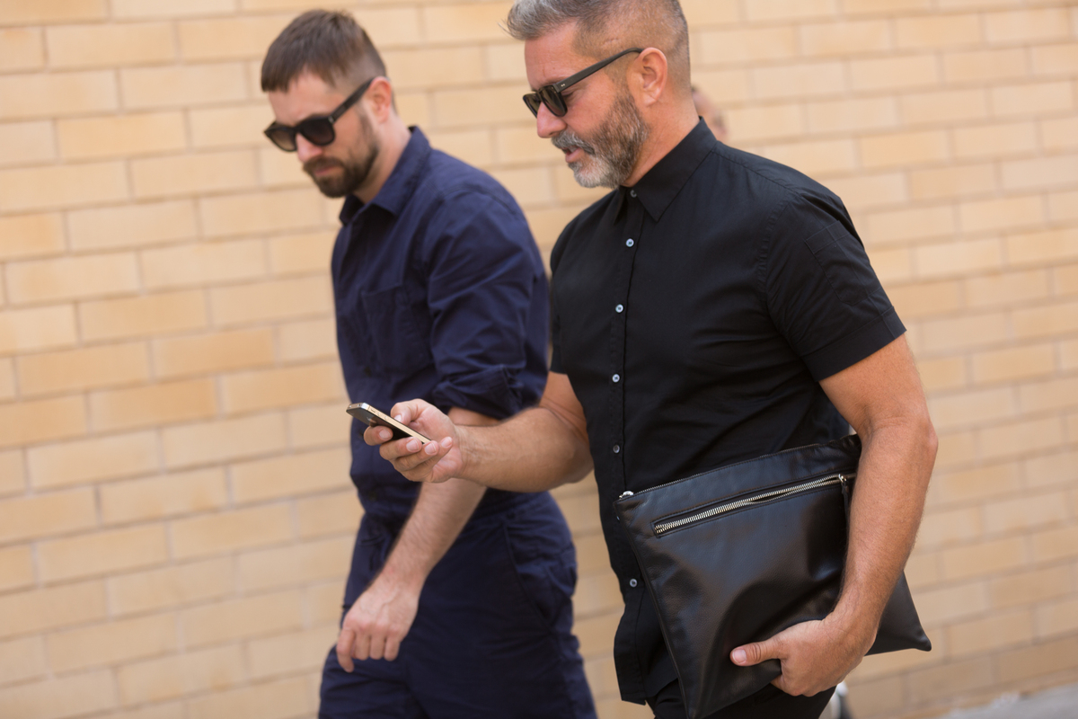 new york fashion week street style what the best dressed men wore huffpost. Black Bedroom Furniture Sets. Home Design Ideas