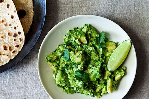 "<strong>Get the <a href=""http://food52.com/recipes/18251-roberto-santibanez-classic-guacamole"" target=""_blank"">Roberto Santib"