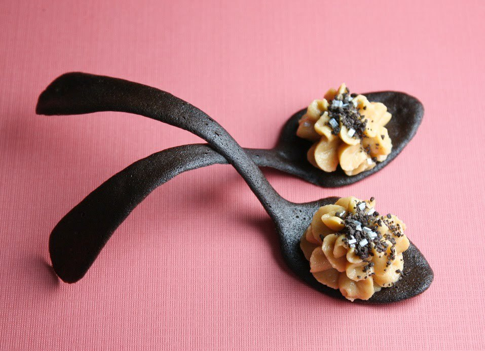 "<strong>Get the<a href=""http://www.sprinklebakes.com/2010/03/peanut-butter-mousse-in-tuile-cookie.html"" target=""_blank""> Pean"