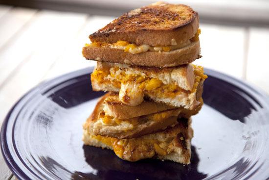 "<strong>Get the <a href=""http://www.macheesmo.com/2012/10/pumpkin-grilled-cheese/"" target=""_blank"">Pumpkin Grilled Cheese rec"
