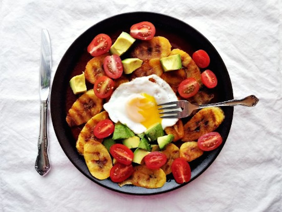"<strong>Get the <a href=""http://www.supernummy.com/grilled-plantains/"" target=""_blank"">Grilled Plantains With Avocado & Eggs<"