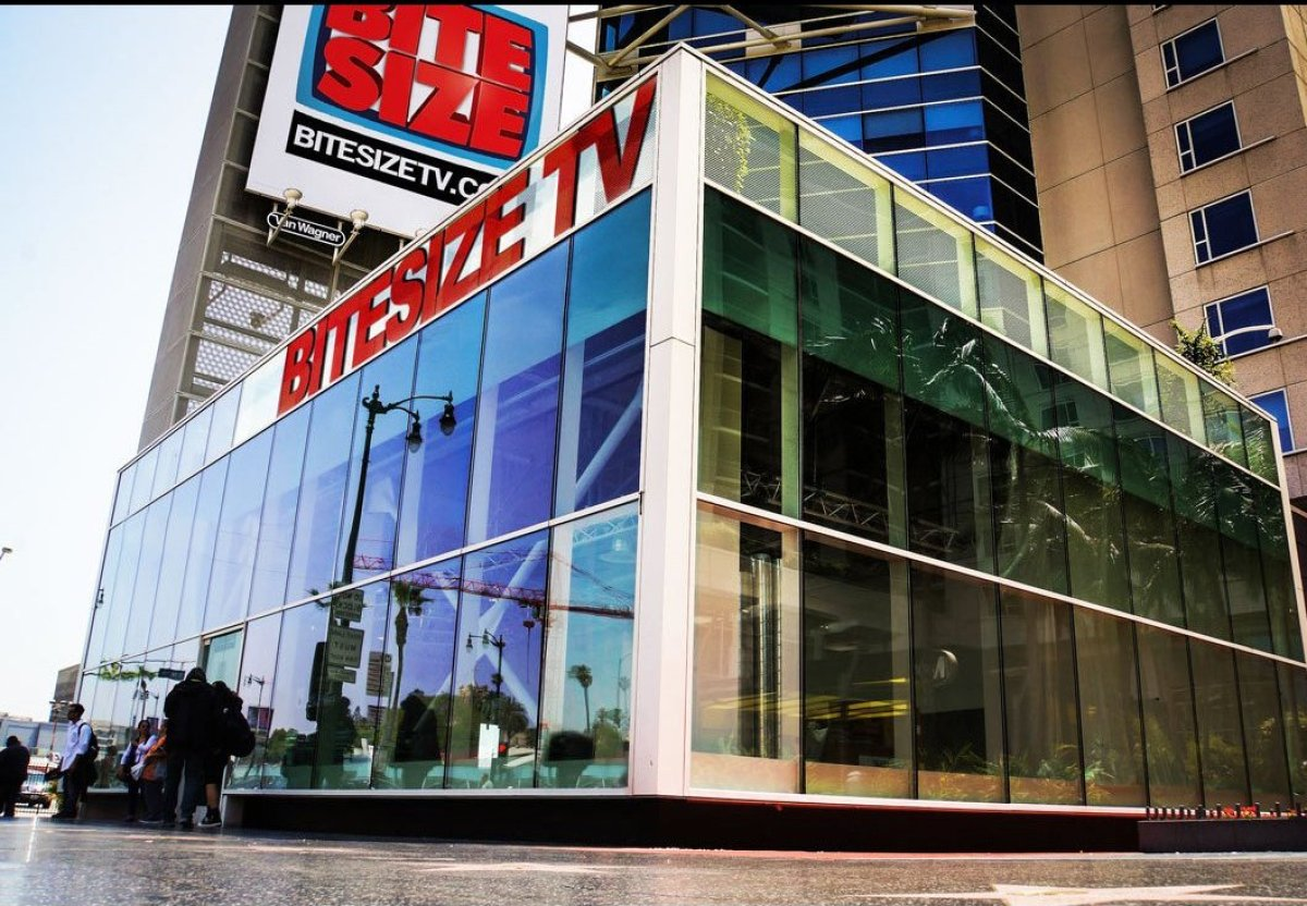 BiteSizeTV sits on Hollywood Blvd., in the main floor of the W Hotel and across from the iconic Pantages Theatre. Like it's p
