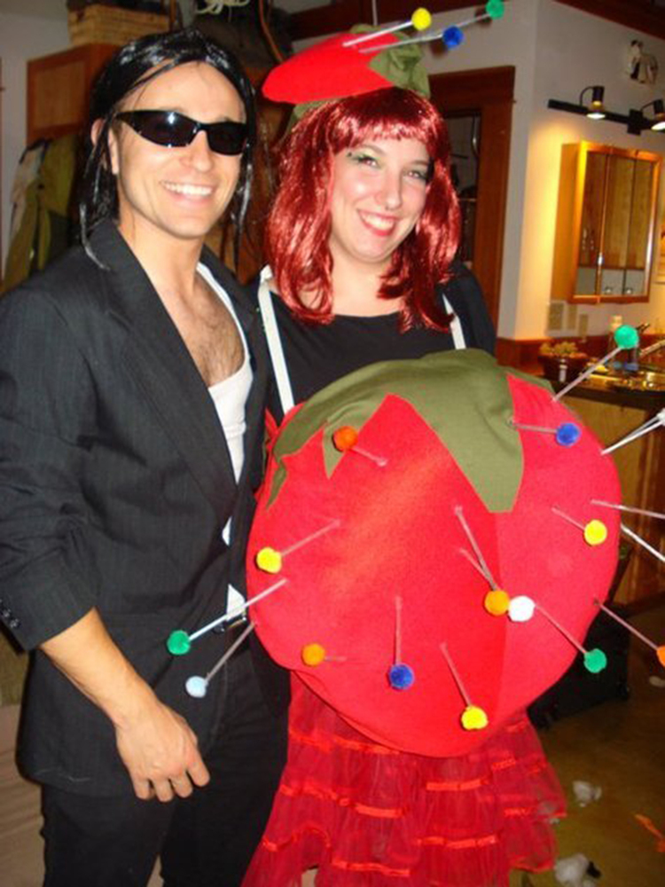 halloween costumes for pregnant women that are fun easy and downright creative huffpost