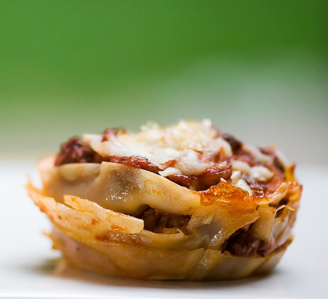 "<em>Two words: yes, please.</em>  <br> <br>  <strong>Get the <a href=""http://www.framedcooks.com/2010/08/lasagna-cupcakes-2.h"