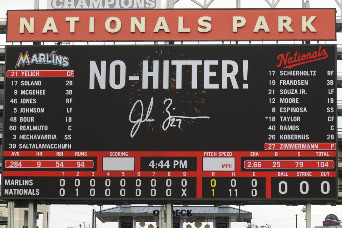 WASHINGTON, DC - SEPTEMBER 28:  Jordan Zimmermann #27 of the Washington Nationals pitches a no-hiiter during a baseball game