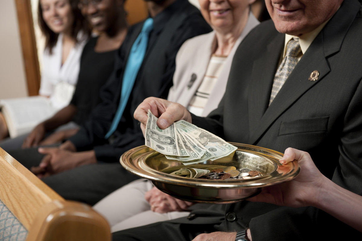 "In 2011, <a href=""http://www.hlntv.com/article/2012/08/08/powerball-lottery-winners-feel-good-deeds"" target=""_blank"">an anony"