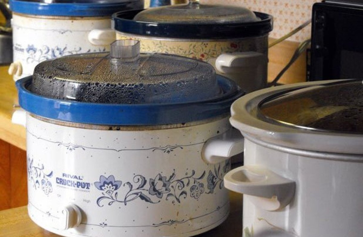 This cooker was brought to market in the 1950s, but after being acquired by the Rival Company, it was rebranded as the Crock-